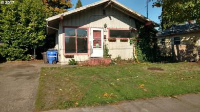 6635 SE Woodstock Blvd, Portland, OR 97206