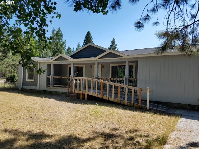 52334 Pine Forest Dr, La Pine, OR 97739