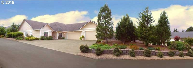 2208 Willow Loop, Florence, OR 97439
