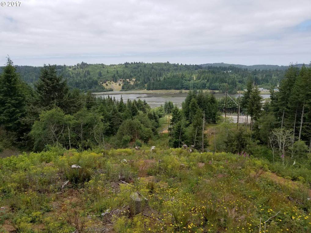 63048 Isthmus Hts Rd, Coos Bay, OR 97420