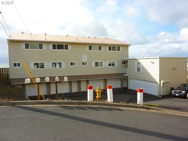 3929 NW Jetty Ave, Lincoln City, OR 97367