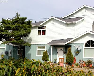 Photo of 1701 30th St, Florence, OR 97439