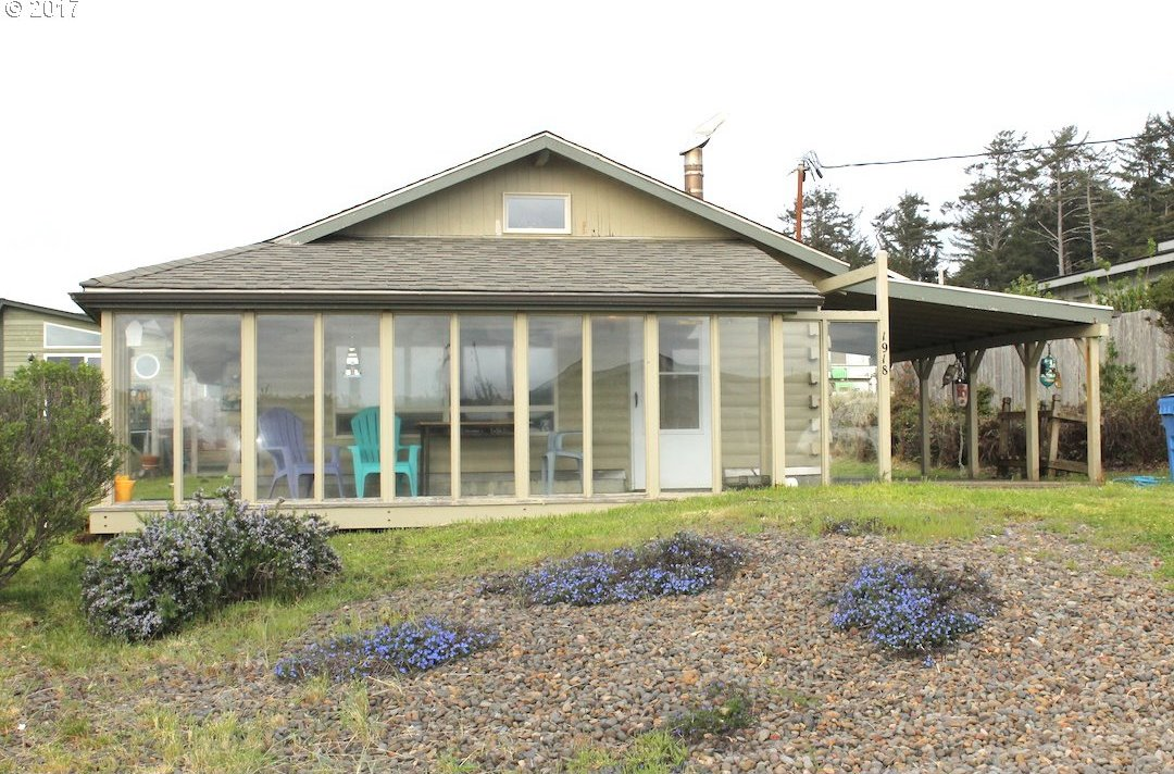 1918 NW Coracle St, Waldport, OR 97394