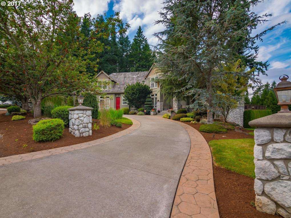 17522 S Fieldstone Ln, Oregon City, OR 97045