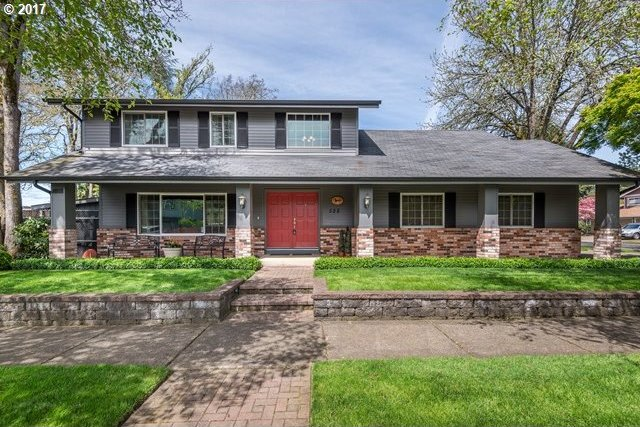 522 71st St, Springfield, OR 97478