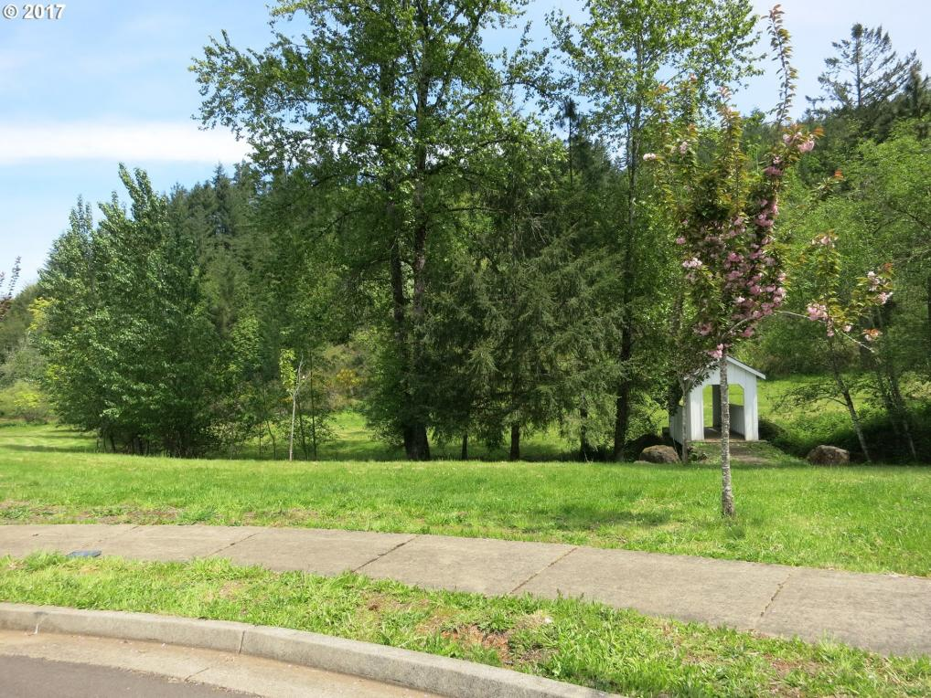 300 Taylor Creek Dr, Sweet Home, OR 97386