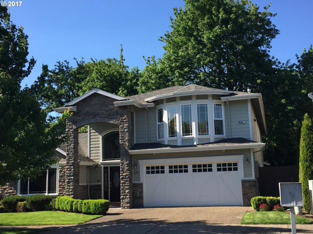 2195 River Heights Cir, West Linn, OR 97068