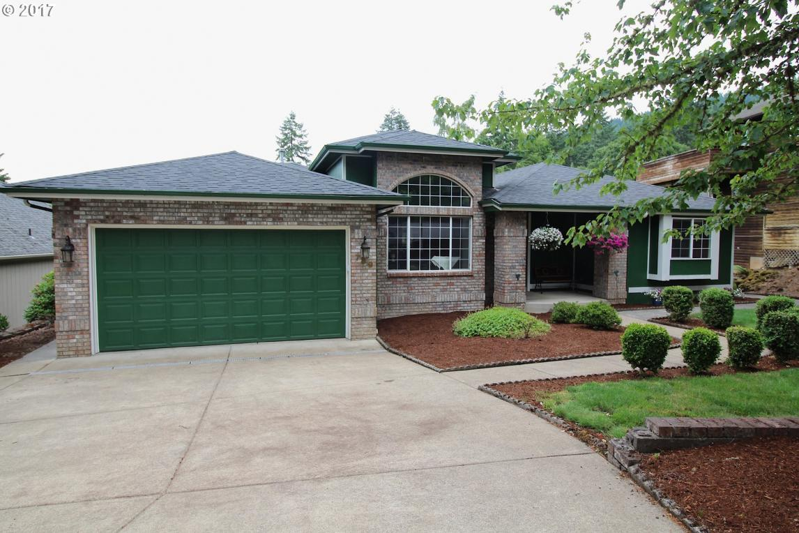 789 S 69th St, Springfield, OR 97478