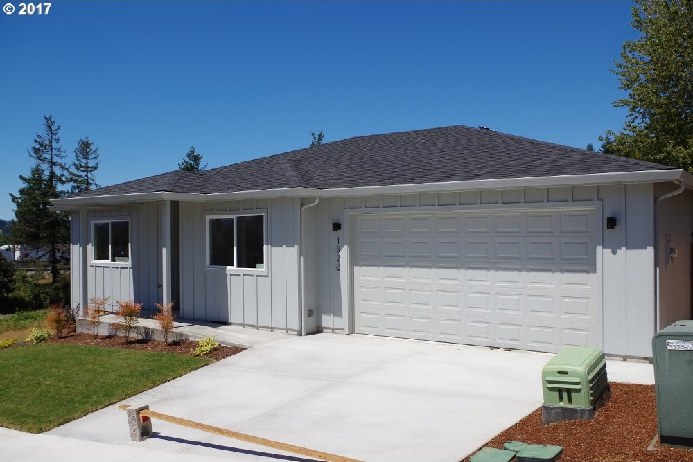 1520 Red Hills Pl, Cottage Grove, OR 97424