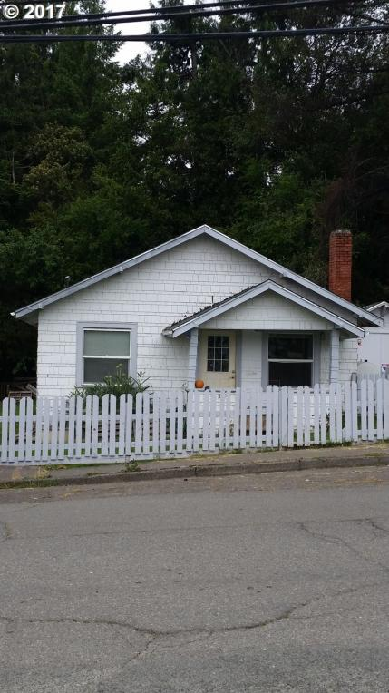 937 Spruce St, Myrtle Point, OR 97458