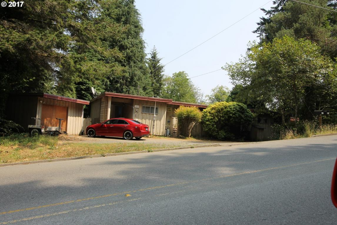 1602 N 10th St, Coos Bay, OR 97420