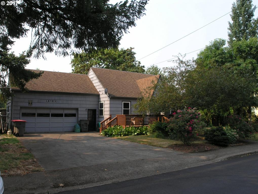 1300 NE 18th St, Mcminnville, OR 97128