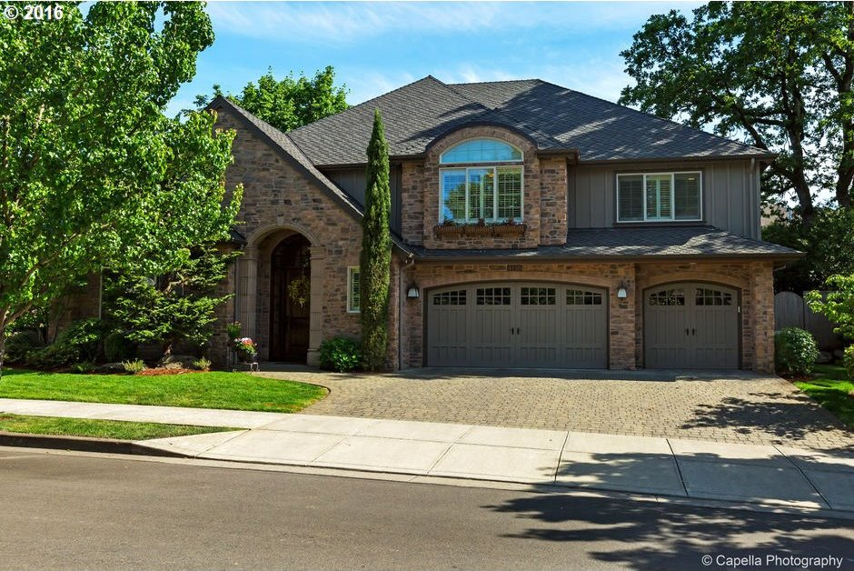 4136 Casey Ct, Lake Oswego, OR 97034