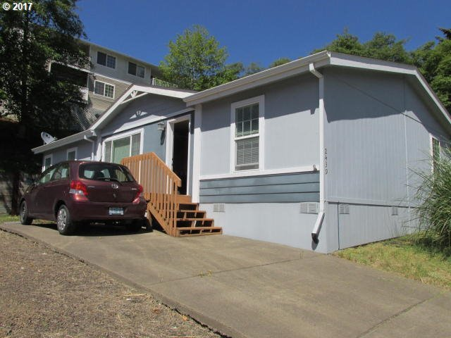 2439 NE 29th St, Lincoln City, OR 97367