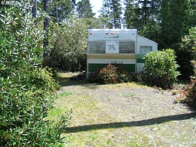 213 Bourbon St, Florence, OR 97439