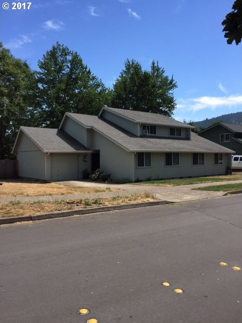 767 71st St, Springfield, OR 97478