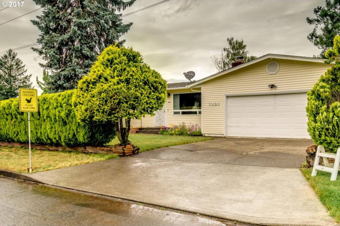 10100 St Helens Ave, Vancouver, WA 98664