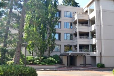 Photo of 752 NW Westover Sq, Portland, OR 97210