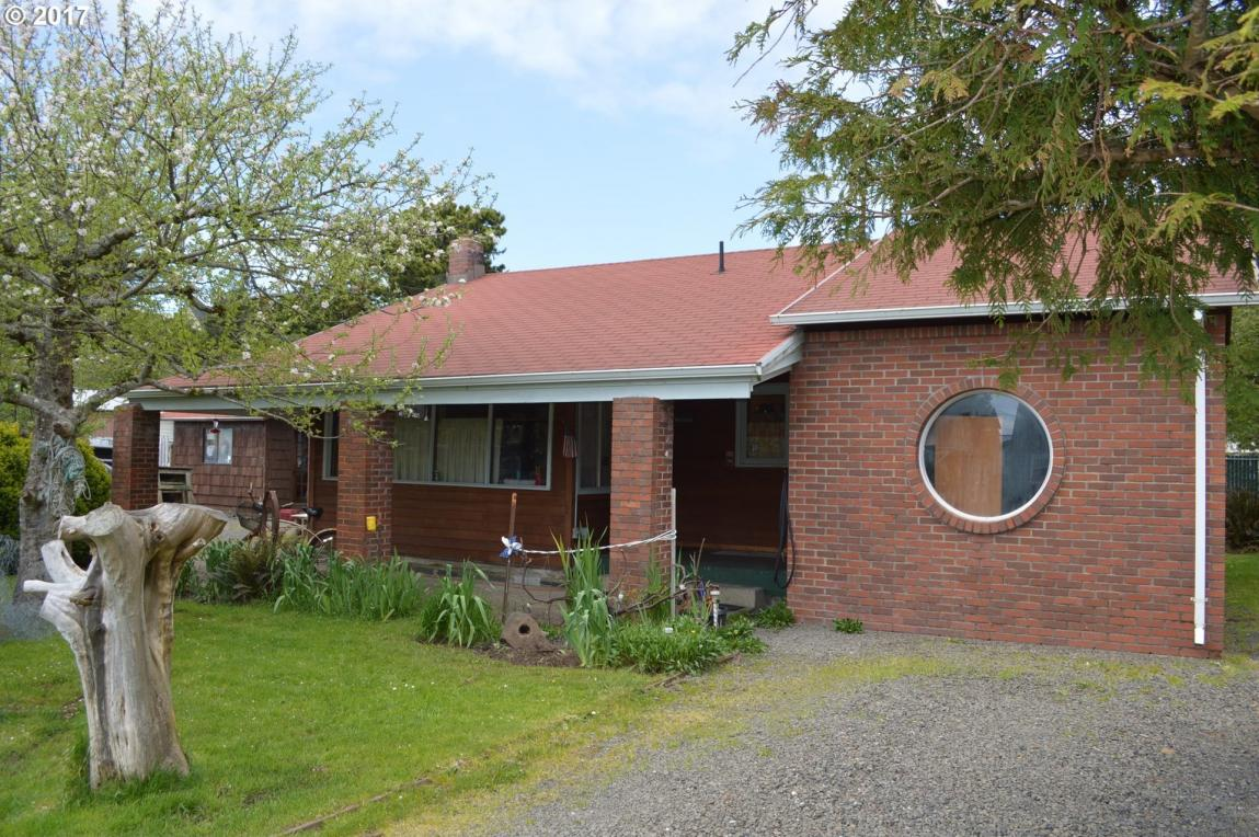 6510 Pacific Ave, Pacific City, OR 97135