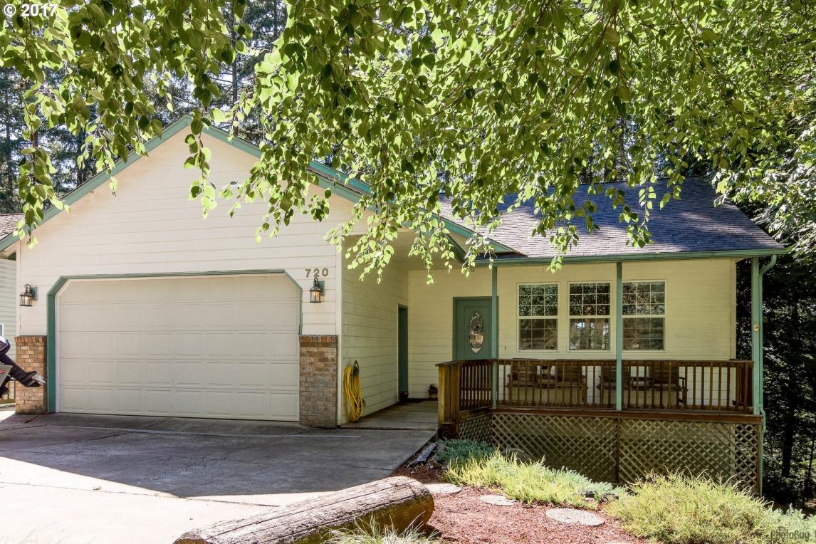 720 S 73rd St, Springfield, OR 97478