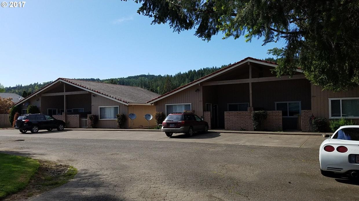 1741 E Central Ave, Sutherlin, OR 97479