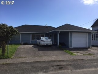 830 Pacific Dr, Hammond, OR 97121