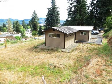 609 Charles St, Yoncalla, OR 97499