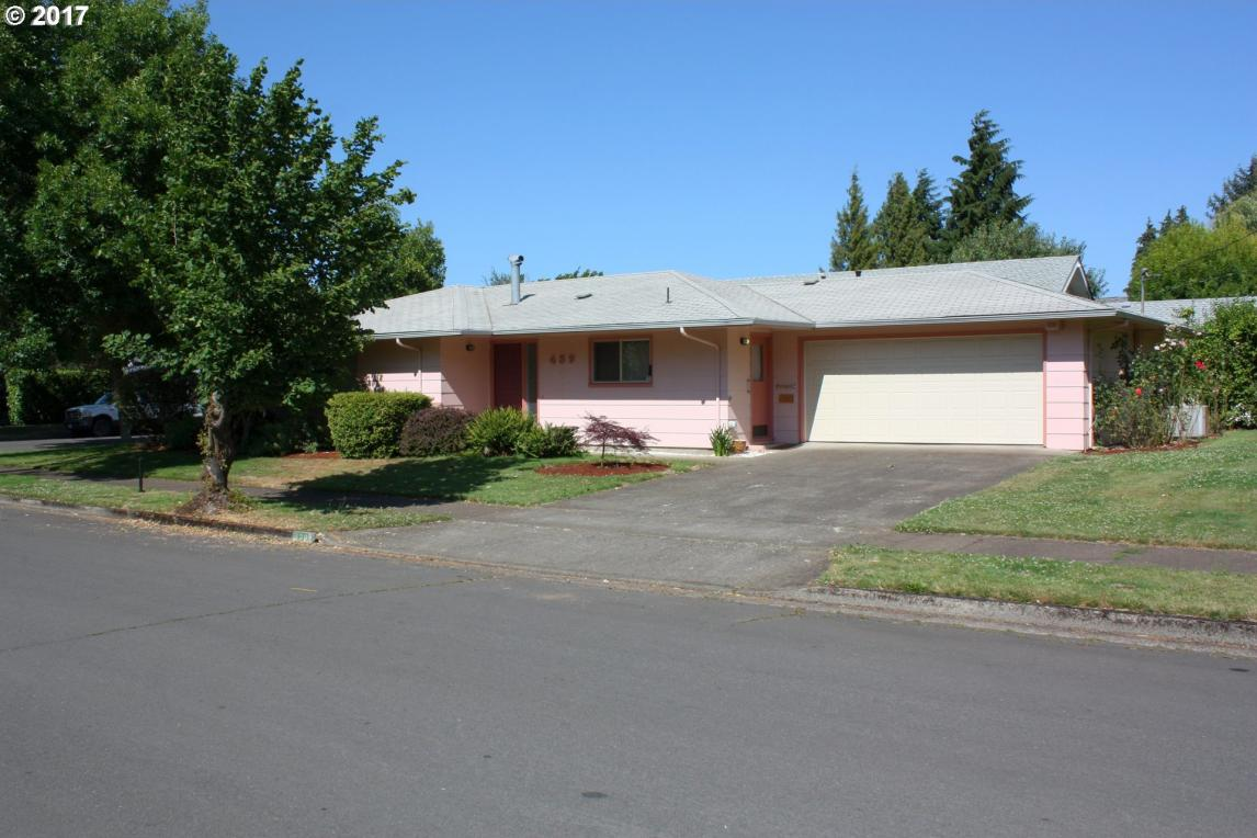 439 8th St, Springfield, OR 97477