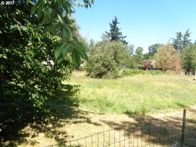 Beebe Ln, Eugene, OR 97404