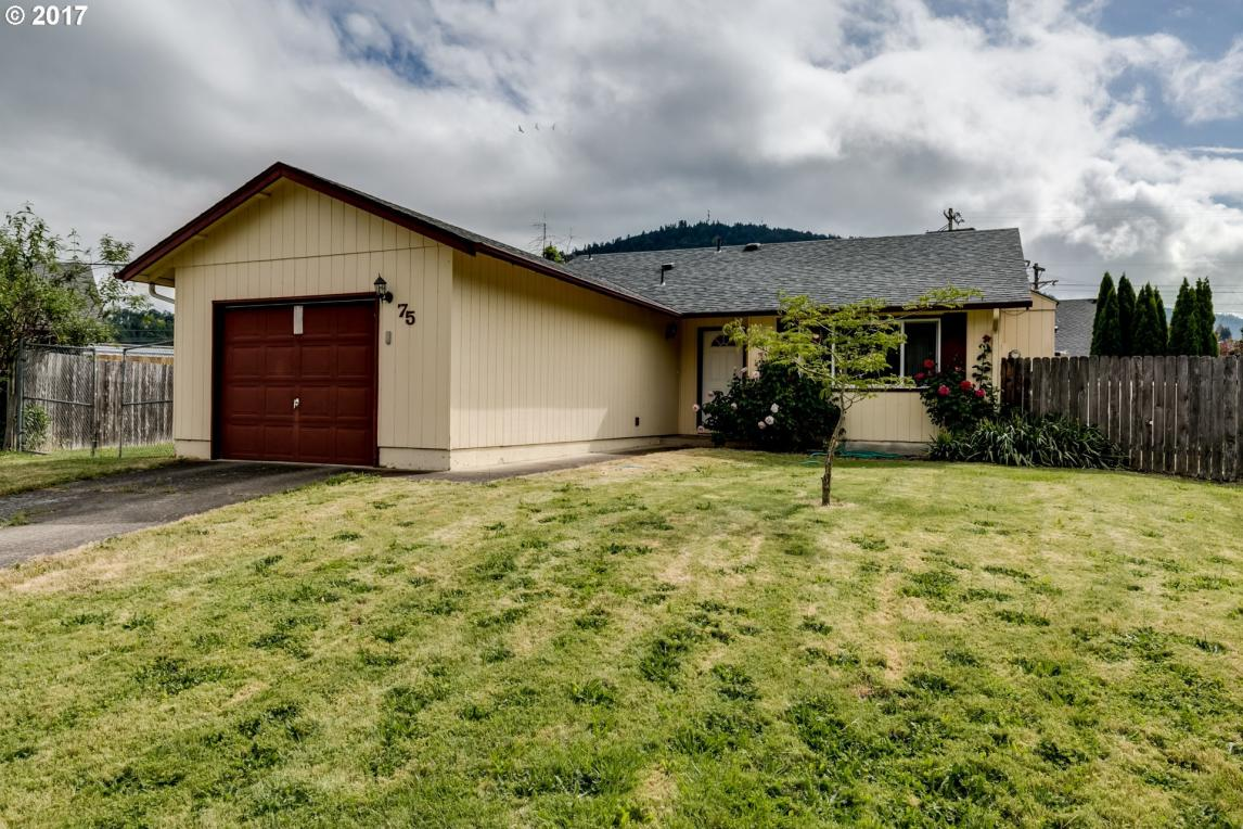 75 Loftus Ave, Lowell, OR 97452