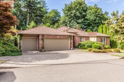 Photo of 11400 SE Highland Loop, Clackamas, OR 97015