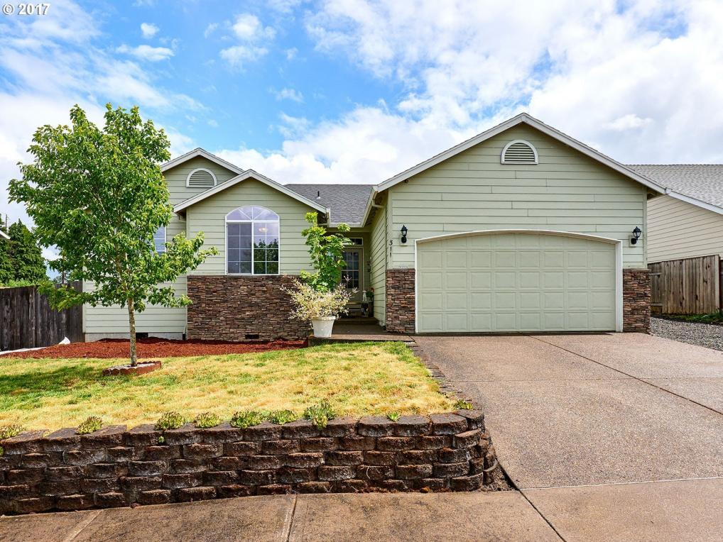 311 Chinook St, Molalla, OR 97038