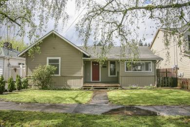 230 W Hereford St, Gladstone, OR 97027