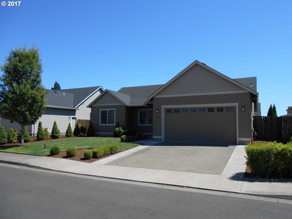 2245 W 12th Ave, Junction City, OR 97448