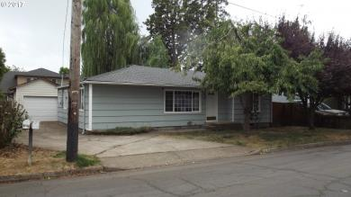 2721 G St, Springfield, OR 97477
