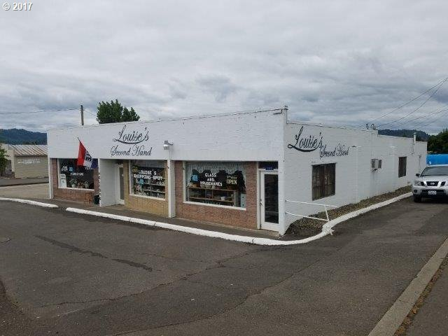 110 NW Main St, Winston, OR 97496