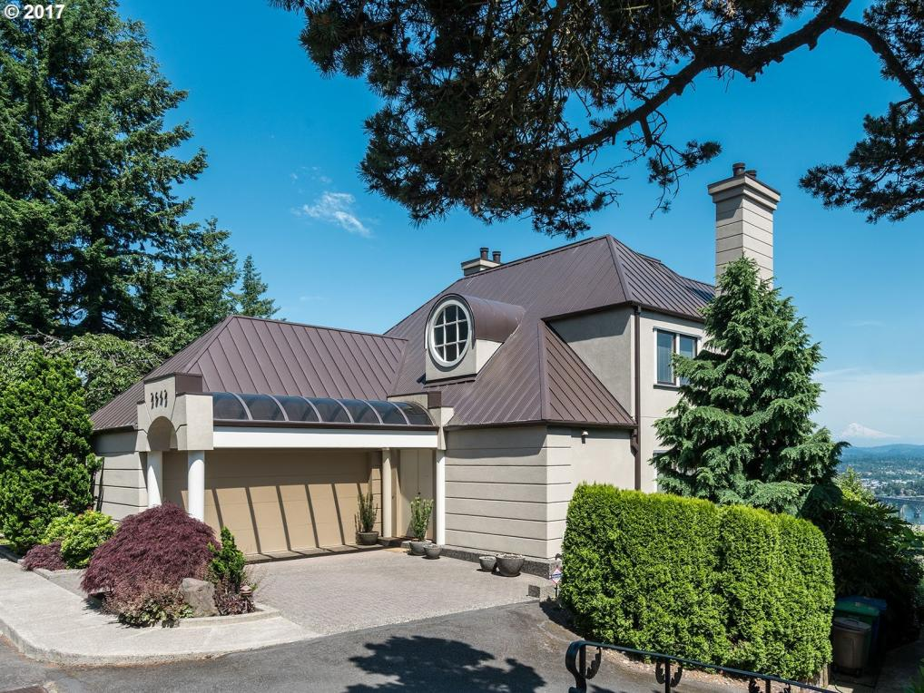 2642 SW Chelmsford Ave, Portland, OR 97201
