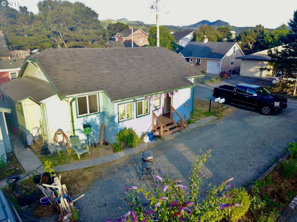316 5th Ave, Seaside, OR 97138