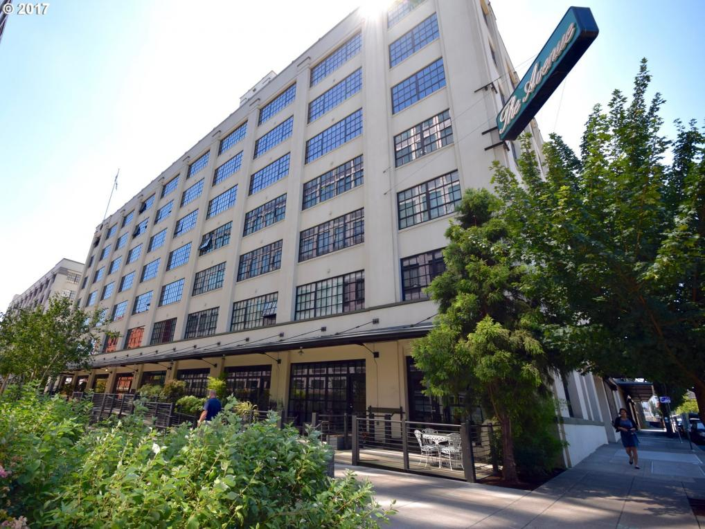 1400 NW Irving St #305, Portland, OR 97209