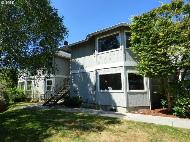 1793 Waite, North Bend, OR 97459