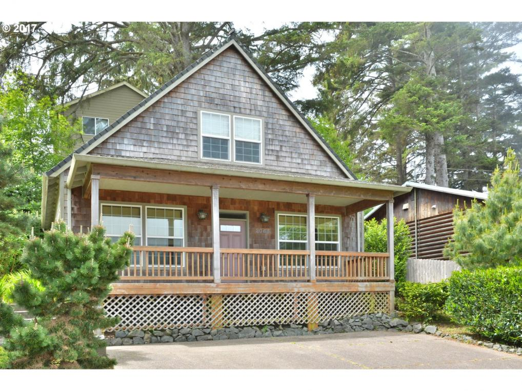 2064 NW 33rd St, Lincoln City, OR 97367