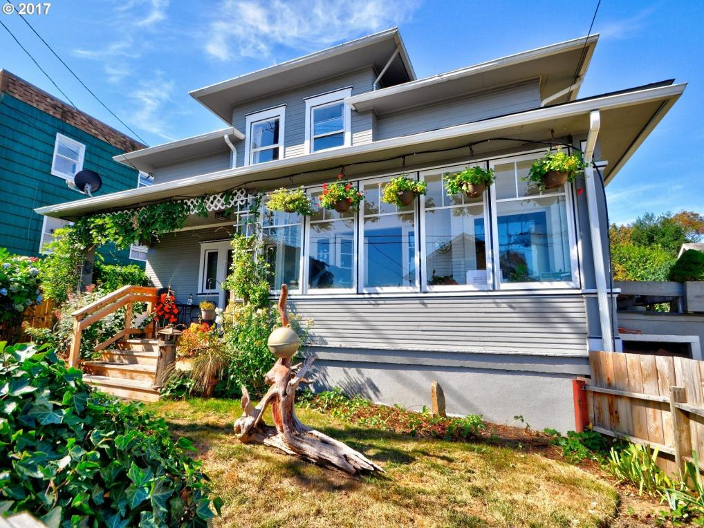969 8th St, Astoria, OR 97103