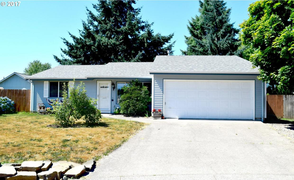 870 Sugarberry Ln, Lebanon, OR 97355