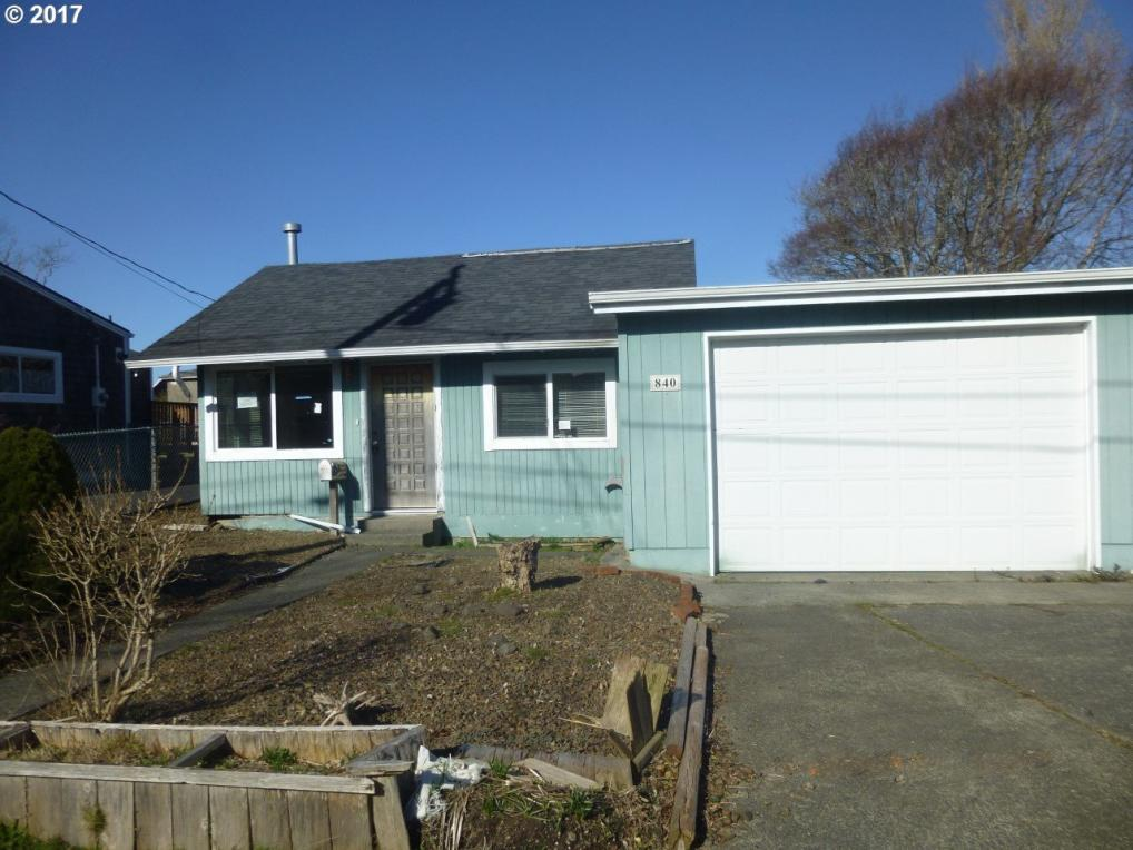 840 11th Ave, Seaside, OR 97138