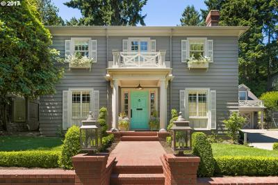 Photo of 157 SW Kingston Ave, Portland, OR 97205