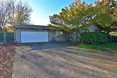 834 S 8th Pl, Harrisburg, OR 97446