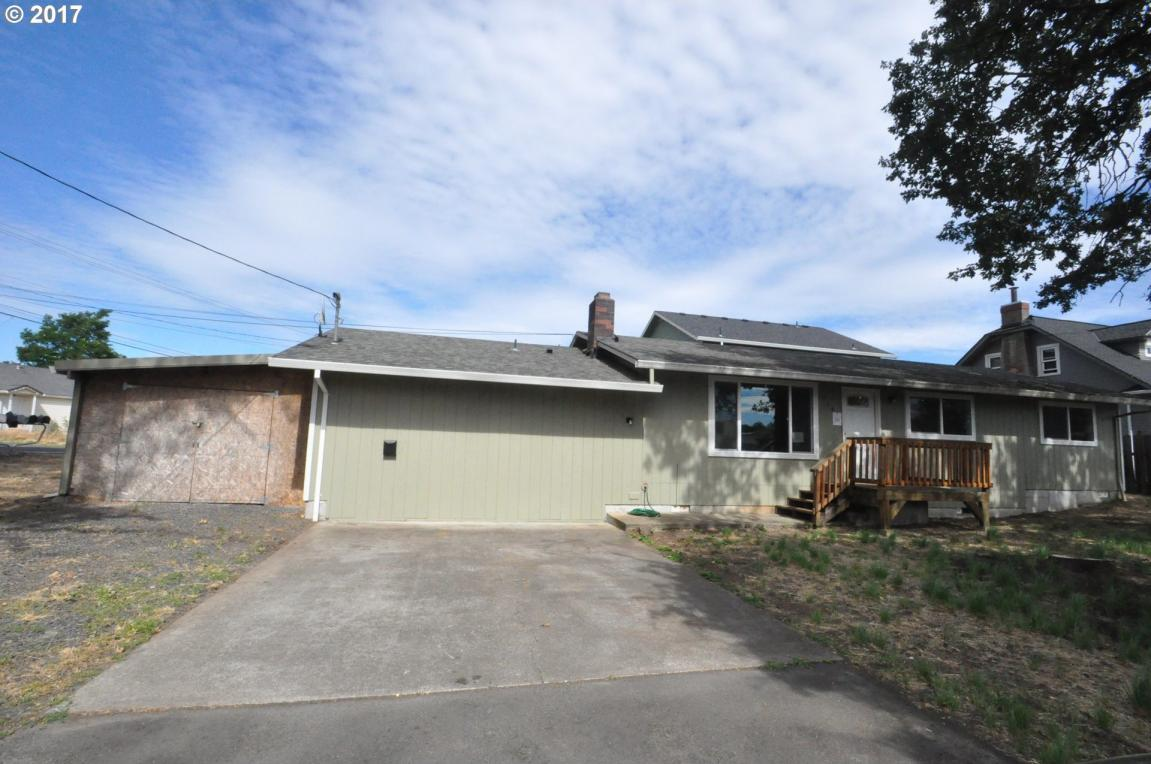 534 N 11th St, St. Helens, OR 97051