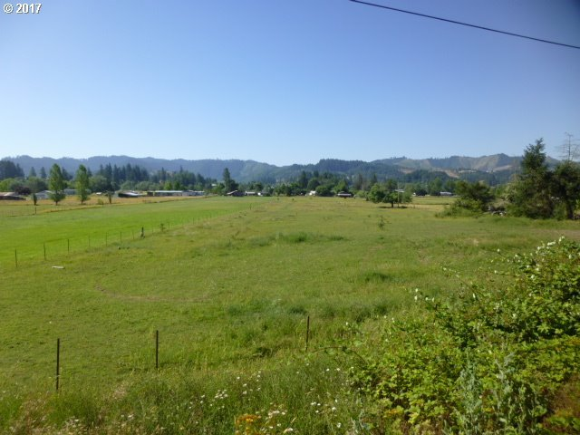 North Side Rd, Sutherlin, OR 97479