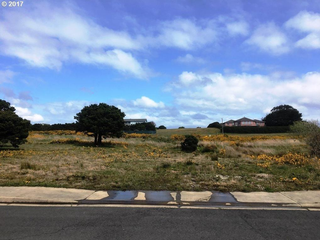 3157 Periwinkle Ln, Bandon, OR 97411