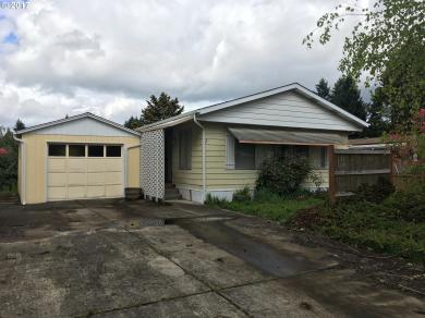 25 Neptune Ave, Springfield, OR 97477